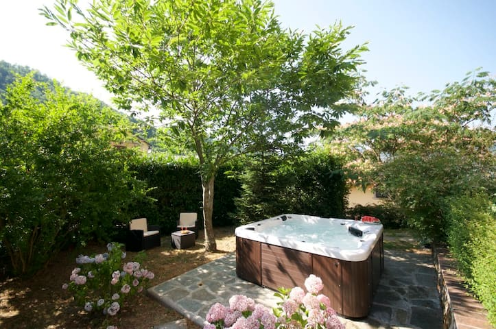 Lovely new chalet in Tuscany - Casale - Cabaña