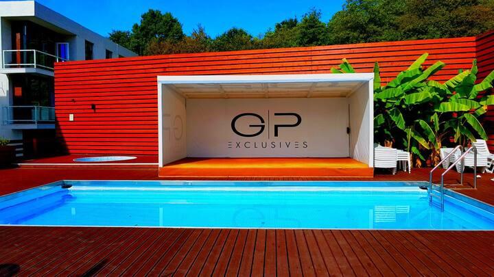Квартира-студия с бассейном в г.Сочи
