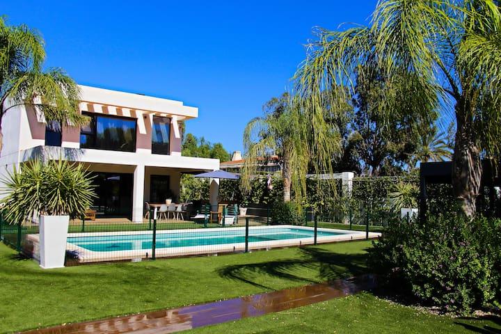 Exclusive Villa Beach in Alicante