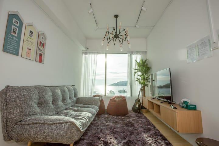 Homy Seafront Hostel Deluxe Room #5【温馨海景独立豪华房间#5】