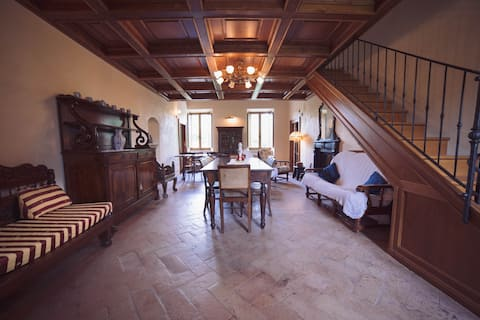 "Antica Villa con Giardino ""Borgo Acque Romane"""