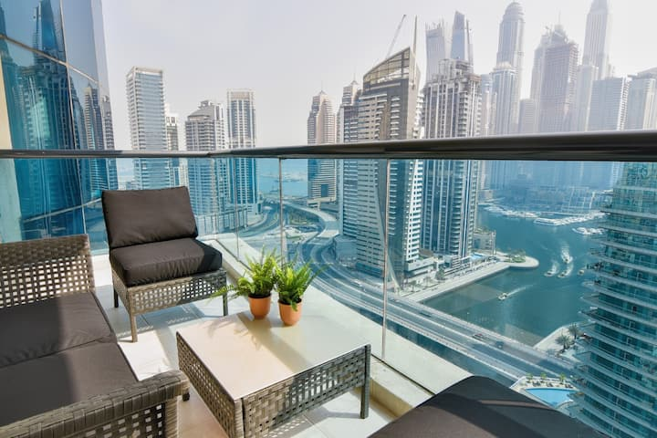 Superb 3BDR in Marina with Terrace