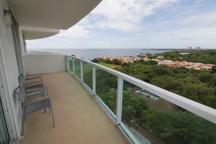 COMFORTABLE 2BD CONDO WITH FULL BALCONY!