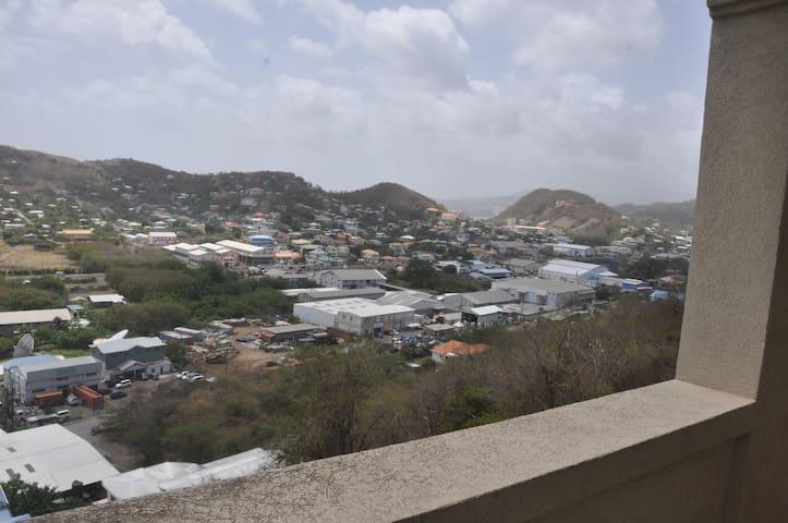 Alto Prado Mace