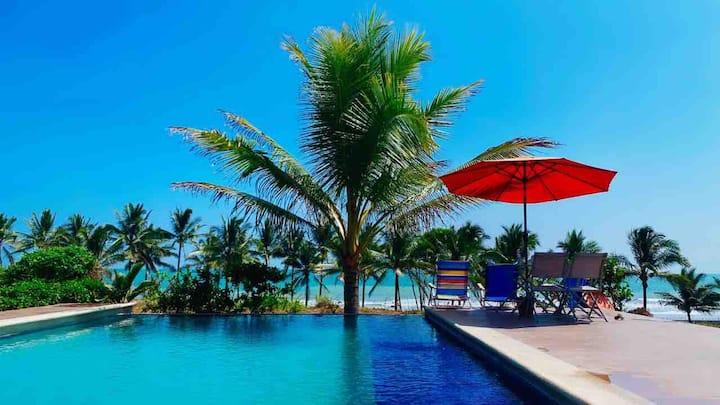 Playa y piscina privada!! casa nueva y moderna
