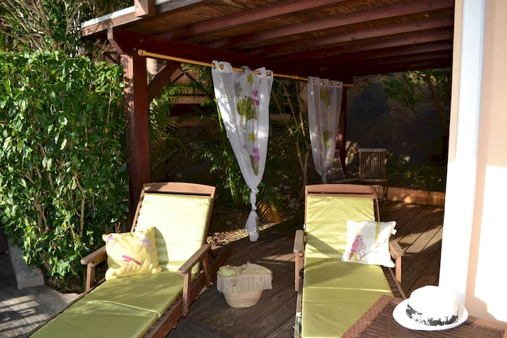 LES BALCONS D'OYSTER POND BUNGALOW N°15 WITH EXTRA LARGE TERRACE POOL LEVEL