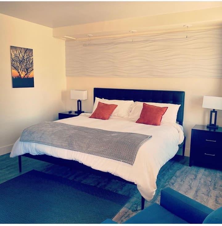 The Shavano Room 6 - King Suite