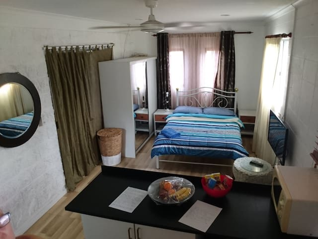 Private Studio, Self-contained, fully furnished