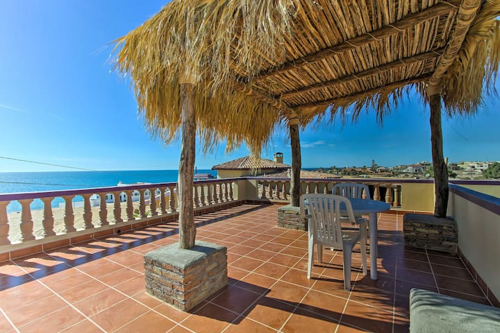Charming Las Conchas Home w/Deck - Steps to Beach!