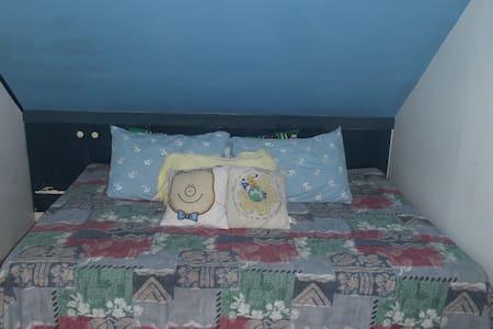 Affordable and Spacious Room in Laguna BelAir - Santa Rosa - House