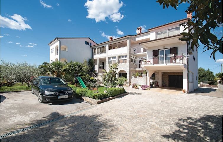 Holiday apartment with 2 bedrooms on 98m² in Rovinj