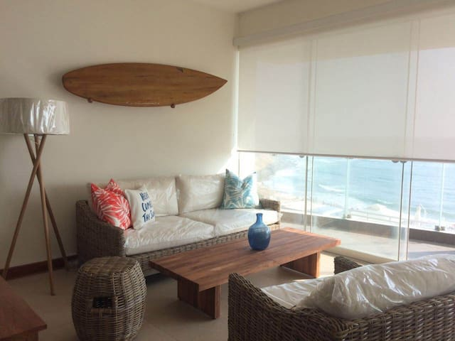 Beautiful beachfront apartment - Punta Hermosa - Apartment