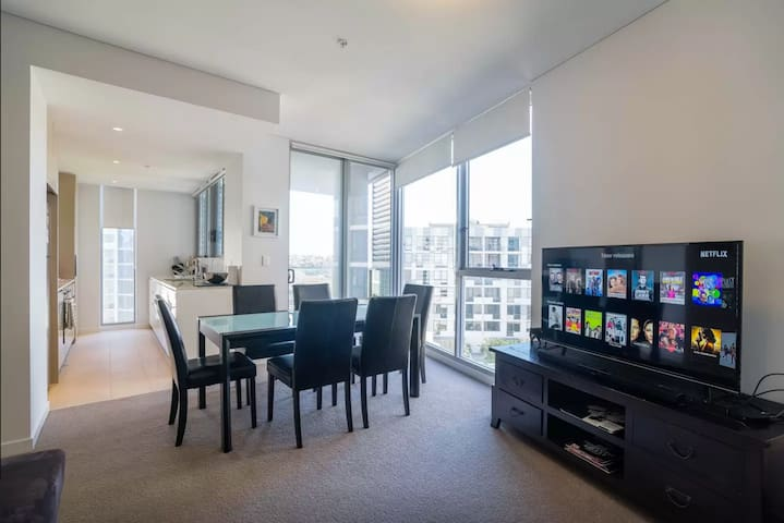 Close to Sydney City & Airpot Modern Apartment - Wolli Creek - Lejlighed