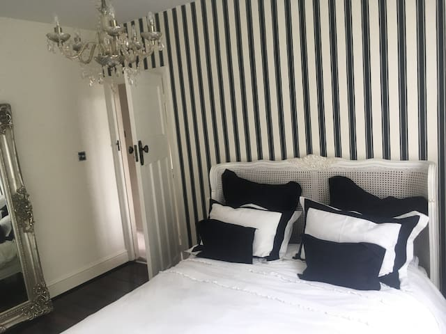 Stunning Room in a beautiful area of Bristol. - Bristol - Apartment