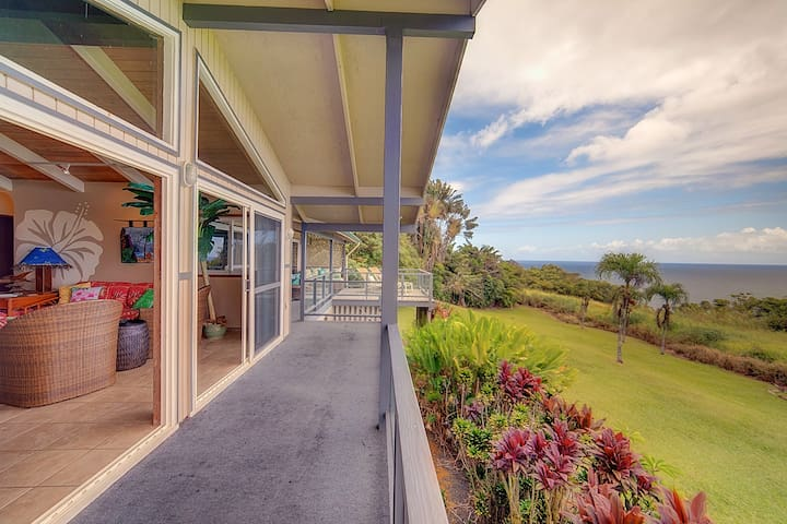 Ocean Bluff Home on the Hamakua Coast ~ Great for Families! - Hale Hamakua