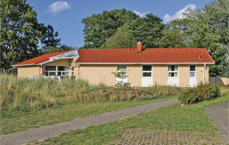 Holiday cottage with 5 bedrooms on 174m² in Travemünde-Priwall