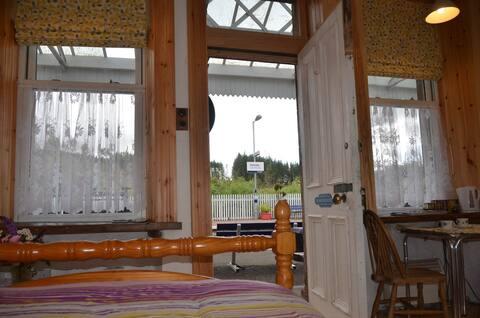 Dalmally Railway Station Writers Retreat sleeps 3