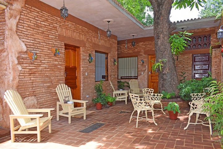 Hostal La Torres Padron (Hab 1 de 3) Free WIFI