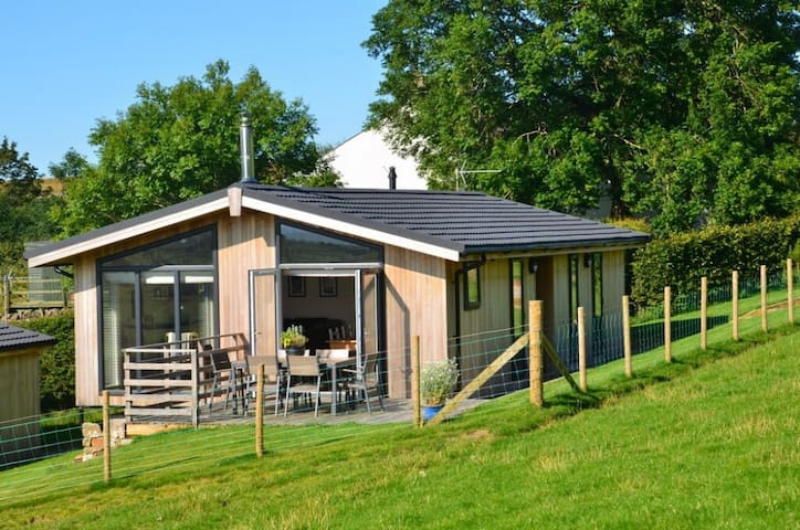 CARROCK LODGE, Paddigill Farm, Caldbeck, near Keswick - Wigton - Hus