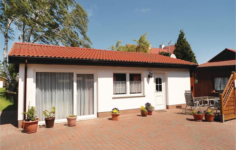 Holiday cottage with 1 bedroom on 50 m² in Ribnitz/Hirschburg