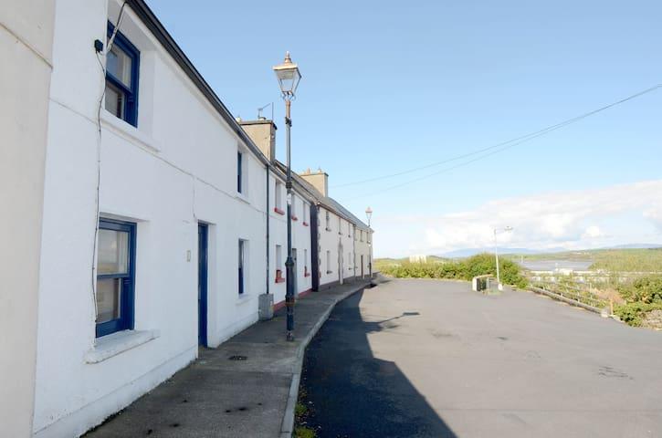 4bed Helm Sea View house overlooking Westport Quay