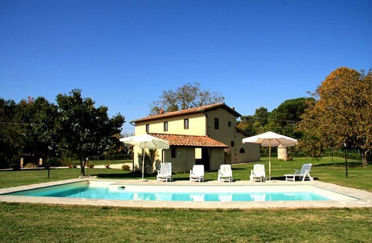 Tenuta Monti - Borgo San Lorenzo - Villa
