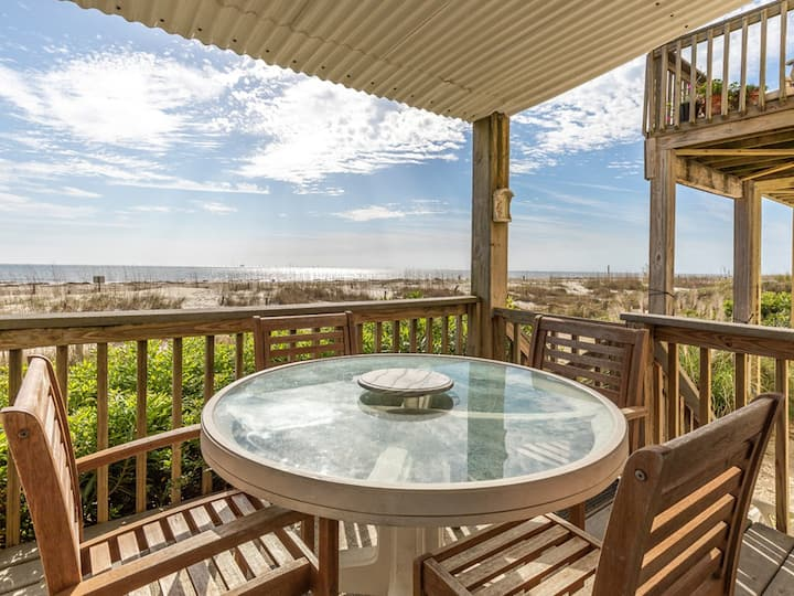 Spectacular Ocean Views, Step Right Onto The Sand From Your Deck, Pet Friendly - Tybee Lights 114A