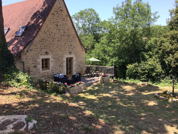 La Roussille Walnut Barn for families & couples