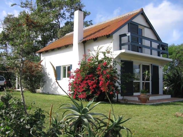 """Casa en la Playa -""""Raíces"""", Uruguay"""