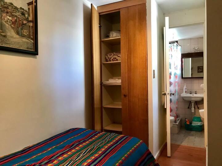 Habitacion con baño privado en Las Condes