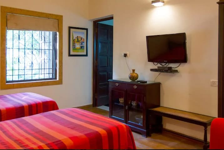 """The Ivory Room"" Boutique Rooms at Ribandar - Ribandar - Huvila"