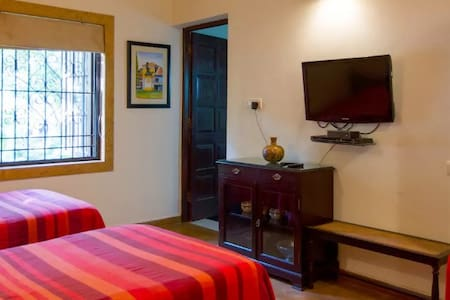 """The Ivory Room"" Boutique Rooms at Ribandar - Ribandar - Vila"