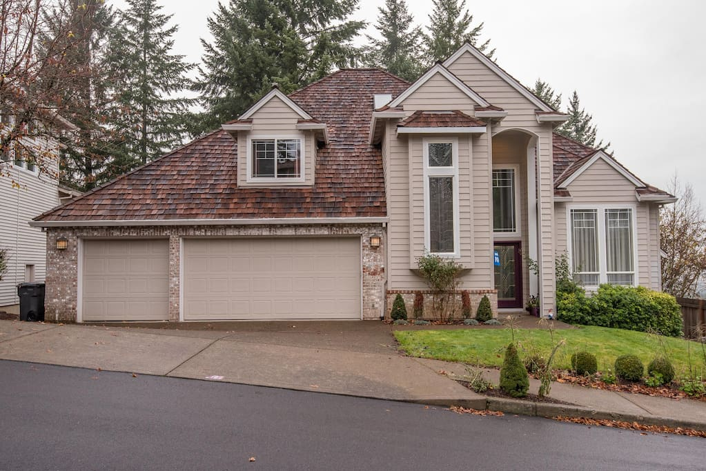 Bull Mountain Late 90 S Mcmansion Houses For Rent In