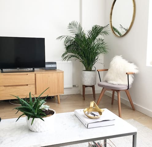 Double room in modern flat/apartment