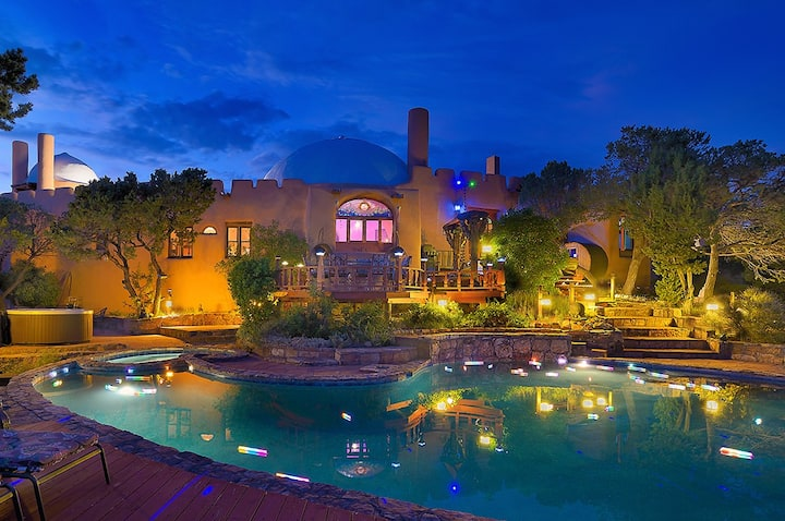 Unique Oasis: Pool & Hot Tub - Families & Reunions