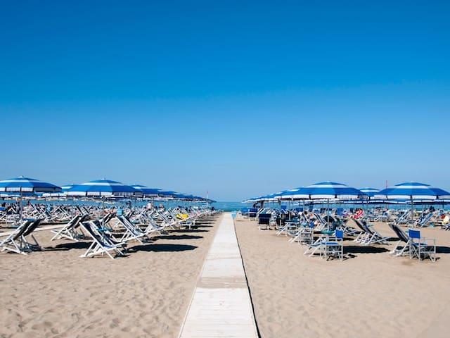 Lovely holiday home- 300mt to the beach - Viareggio - Apartment