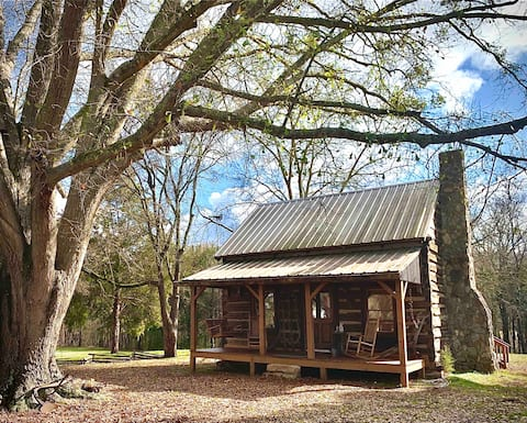1800s Cabin on Holland Acres - Getaway or gather