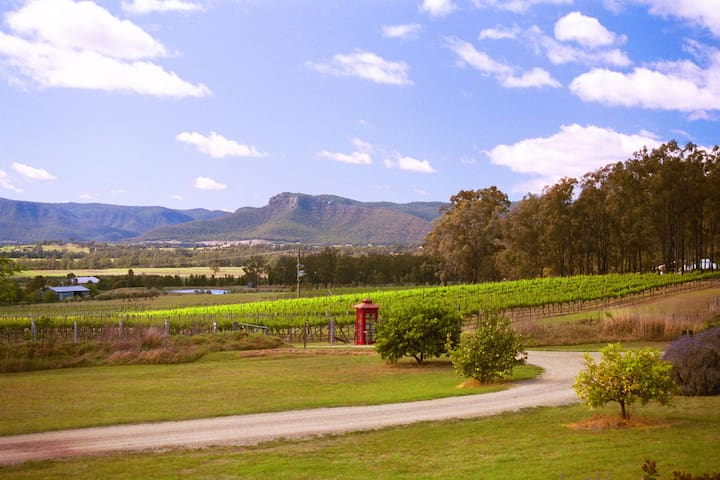 "Catherine Vale Vineyard ""Pickers' Quarters"""