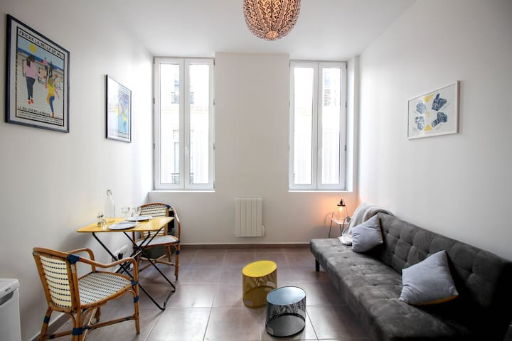 BEAUTIFUL 30 SQM FLAT IN THE HEART OF MARSEILLE - Marseille - Apartment