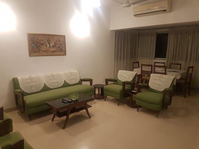 1 Bedroom in beautiful Bandra Home