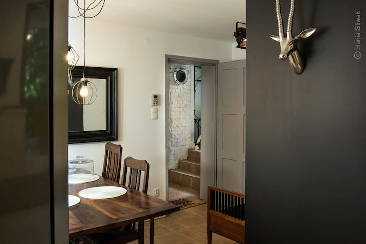 Diningroom with entrance