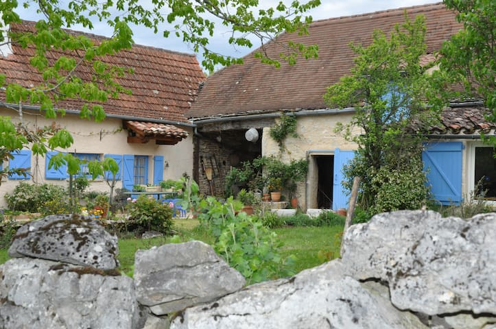 Blue House, restored old farm, Quercy, south west - Limogne-en-Quercy - Huis