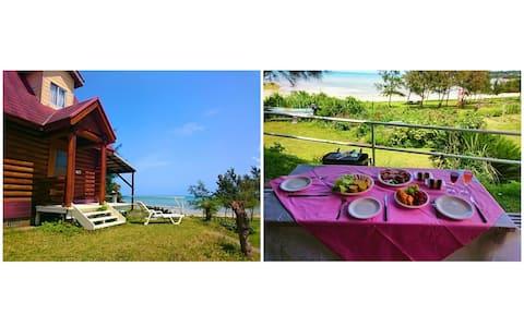 芝生の庭とプライベートビーチがある一戸建『Garden Beach House』