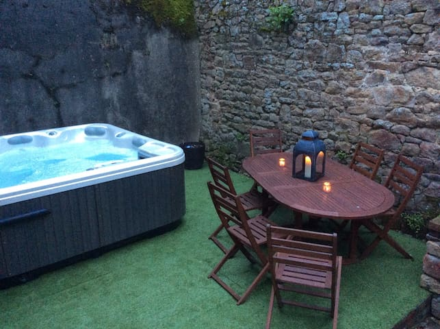 Maison avec spa entre Mont St Michel et Bretagne - Avranches - House