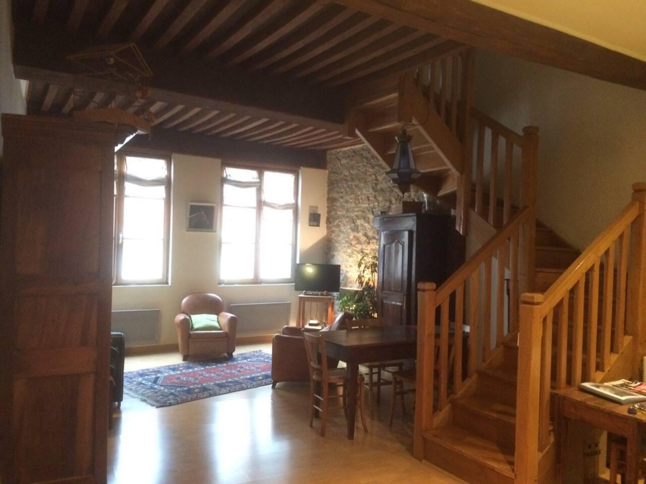 Vue générale depuis l'entrée de l'appartement