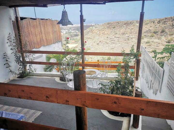 Agradable casa de campo/montaña con vistas al mar
