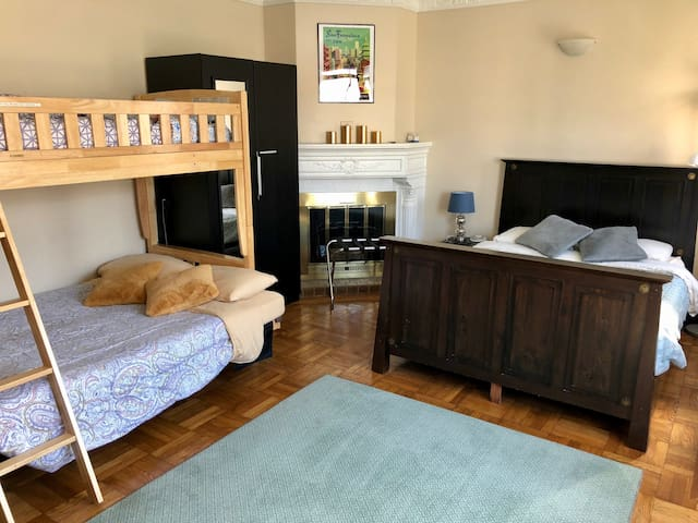 Large room near Golden Gate Park & UCSF