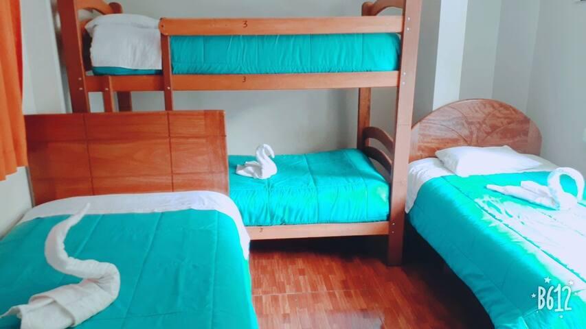 Modo hostel  $7 × persona cn bebida bienvenid@