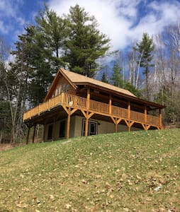 Beautiful Custom Log Cabin near White Mountains - Haverhill - Casa de campo