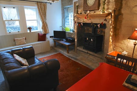 Triangle Cottage - Hebden Bridge - House